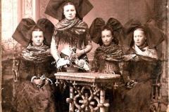 1880__S._Kohl__Anna_1878_M-Anne_1875_H__l__ne