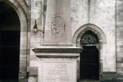 Monument_aux_morts_devant_l_Eglise